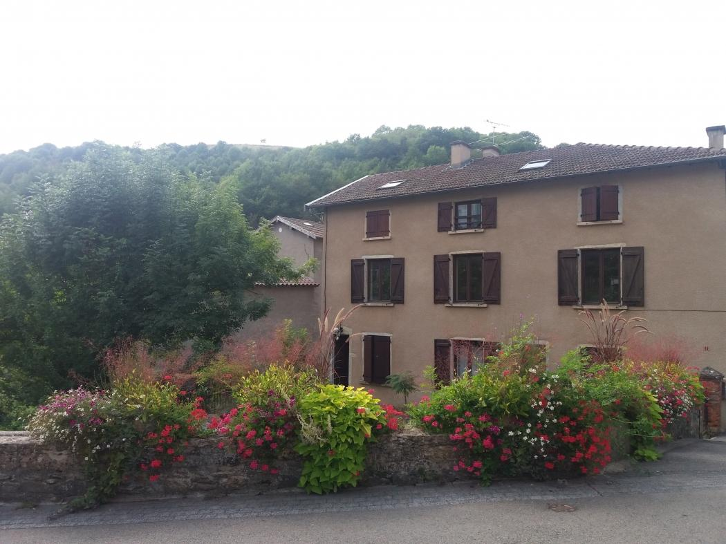 Location Appartement 3 pièces COURZIEU 69690