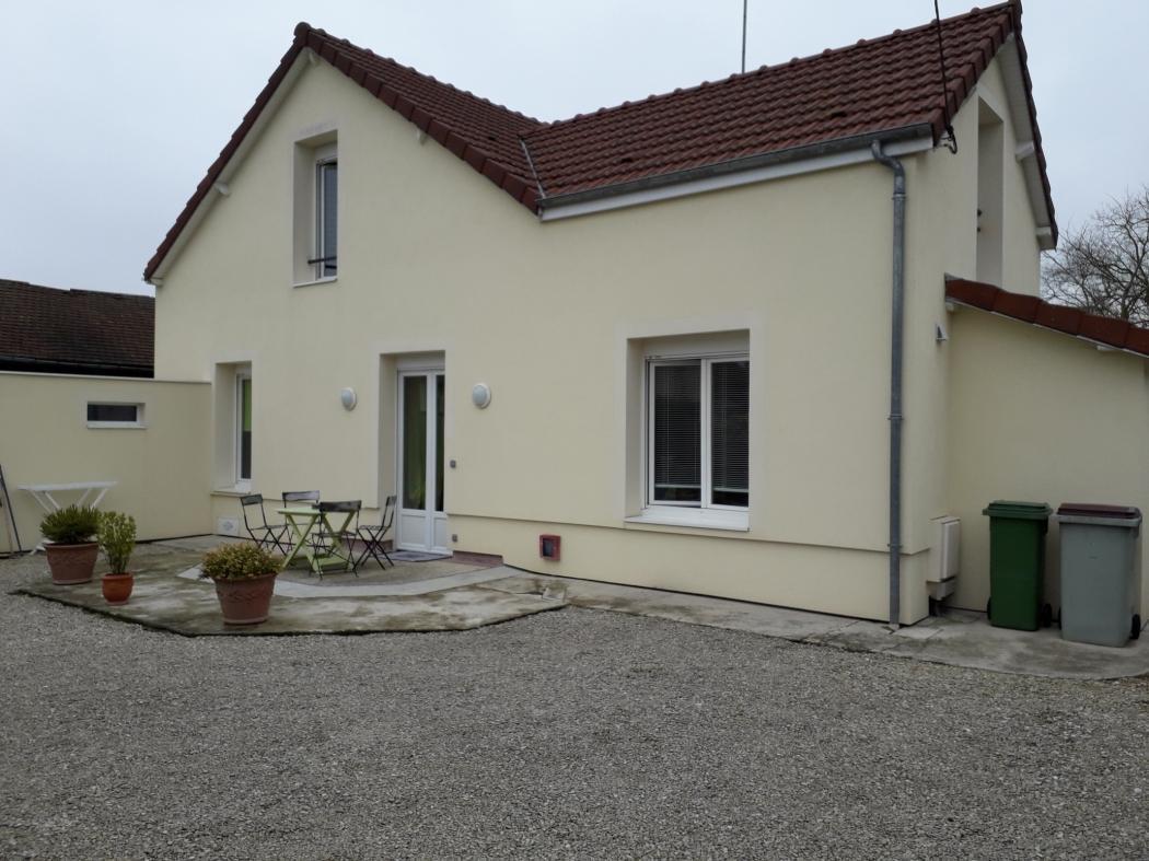 Location Maison 3 pièces SAINT JULIEN LES VILLAS 10800